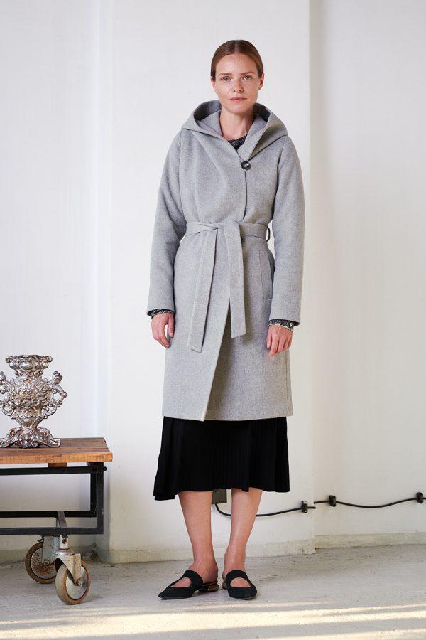 wiązany płaszcz zimowy z dużym kapturem kolor popielaty