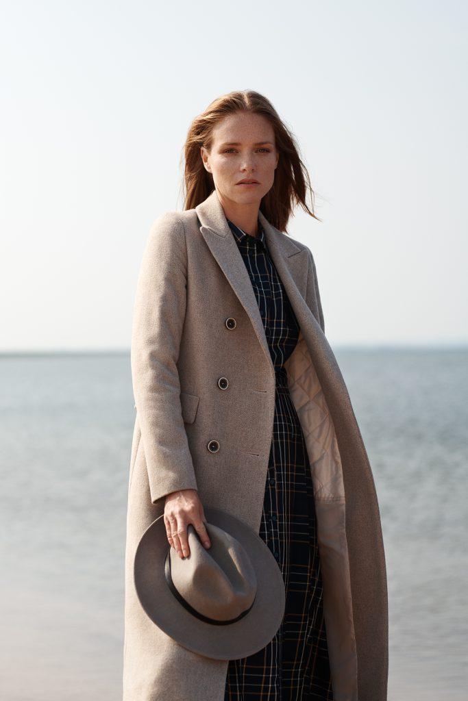 Płaszcze damskie zimowe ocieplane ozdoba każdej stylizacji.