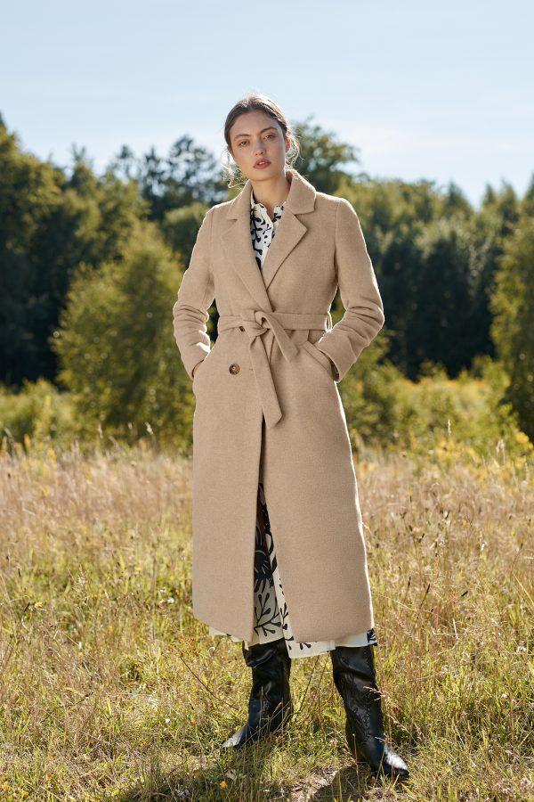 Płaszcz zimowy długi z wełną wiązany w pasie w kolorze beż